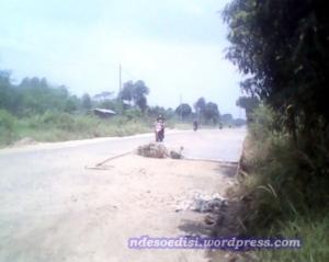 perbaikan jalan (2)