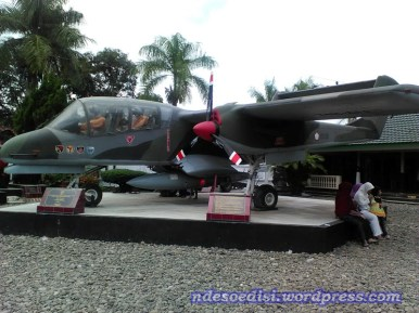 Pesawat OV-10F Bronco