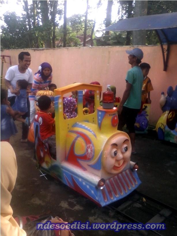 area bermain kereta