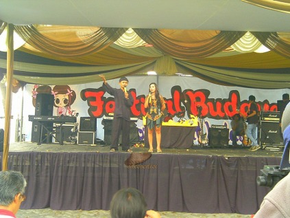 MC acara festival Budaya KBI