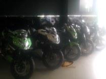 RR Mono & P 200 NS diujung