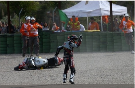 Mika Kallio's 'wave' after being taken down by Maverick Vinales, Valencia Moto2