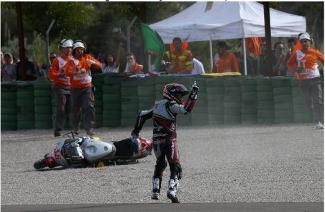 Mika Kallio's 'wave' after being taken down by Maverick Vinales, Valencia Moto2