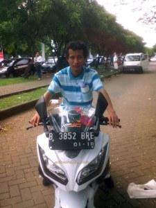 sayang ga pake helm :-(