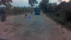 jalur Cikamurang, jelek & berdebu
