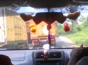 jalur tengan mudik, kondisi jalan cukup sempit, banyak truk pasir