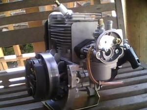 ilustrasi mesin potong rumput (pic: blackcat200.com)