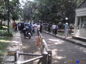 rekan korban melapor ke Security