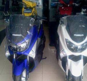 lustrasi Yamaha N Max non ABS