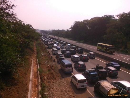 km 72 ke arah Jakarta