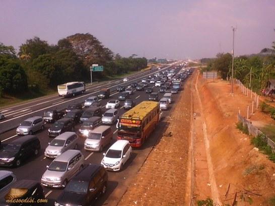 km 72 dari arah Subang