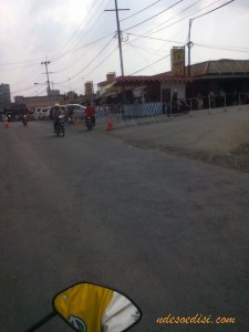 mudik 2015, lalu lintas di pasar Cipeundeuy
