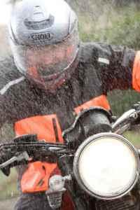 jaket-anti-hujan