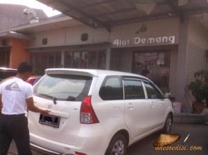 area parkir depan RM. Alas Demang