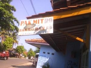 Papan Nama Bakso Pak Mitro Jalan Rinjani Cilacap