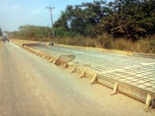perbaikan jalan Cipeundeuy-Pabuaran