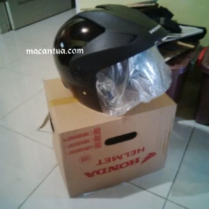 helm legendaris TRX series (pic: macantua.com)