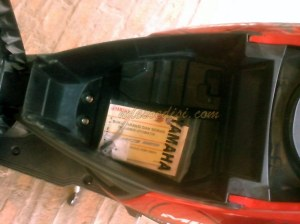 Bagasi Mio M3 lebih luas dibandingkan bagasi Honda Beat Sporty/Beat POP