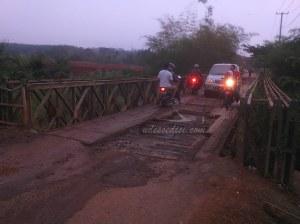 Jembatan-Ciherang-Perum-Bukit-Residen-Cibungur-Purwakarta (1)