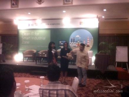 Presentasi-Microsoft-di-Plaza-Hotel-KBI (11)
