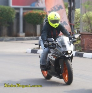 KTM RC200 (pic: KBY)