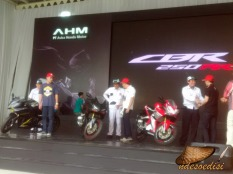 line-off-ceremony-cbr250rr-2016-28