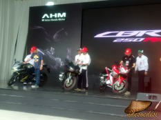 line-off-ceremony-cbr250rr-2016-29