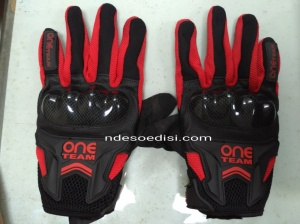 gloves TDR