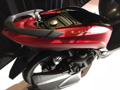 dibawah jok Yamaha Lexi 125
