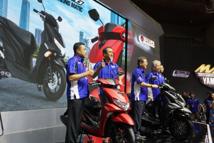 Management PT Yamaha Indonesia Motor Manufacturing (YIMM) saat launching FreeGO di event IMOS 2018(2)